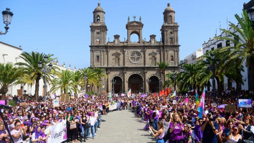 8M - Día Internacional de la Mujer | La manifestación en la Plaza de Santa Ana