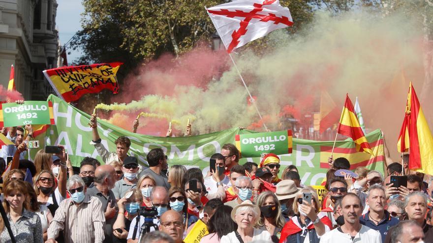 PP y Vox se manifiestan en Barcelona para celebrar el Día de la Hispanidad