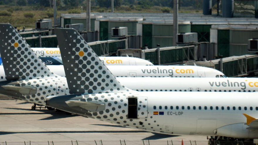 Vueling cancel·la més d'un centenar de vols per la vaga del personal de terra d'Iberia