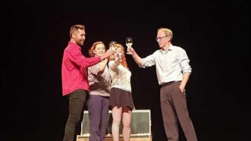 Concurs de Teatre Vila d'Olesa: Dos més dos