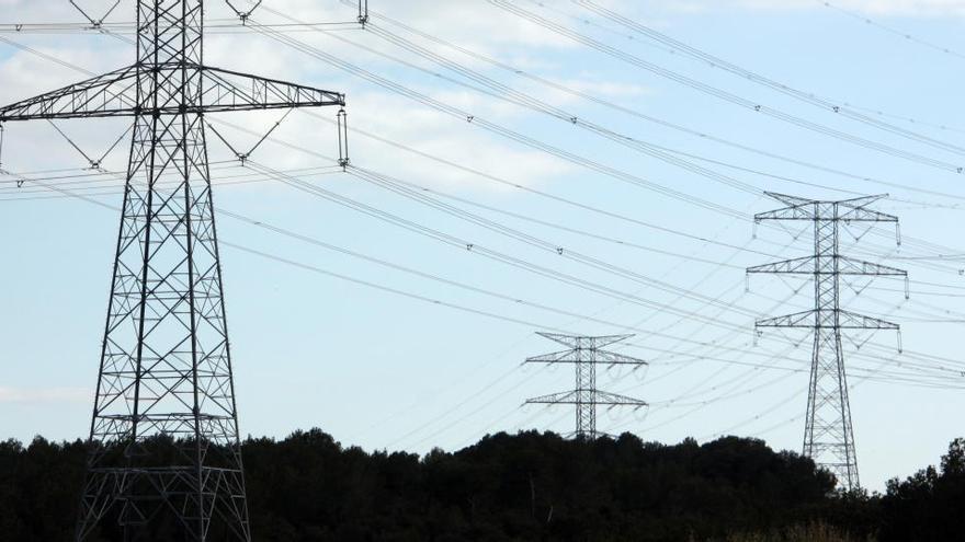 ERC, JxCat, Comuns i PSC demanen ajuda a Brussel·les per aturar el ramal de la MAT a Riudarenes