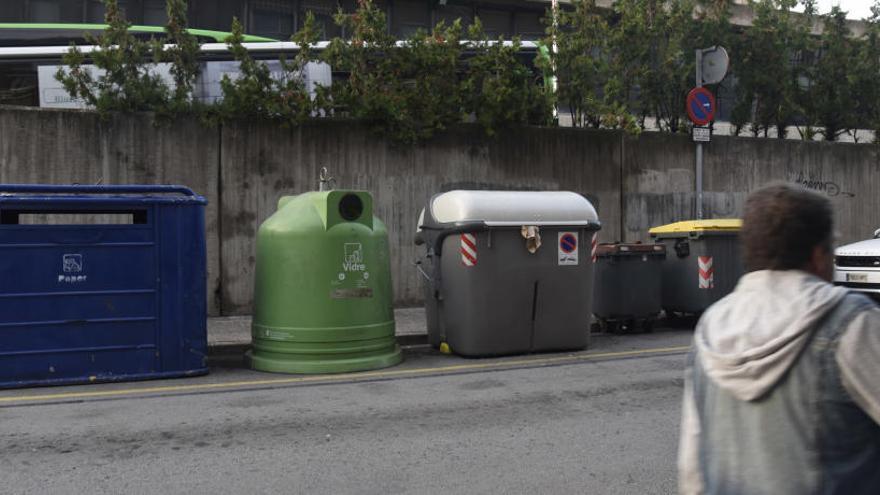 L'Ajuntament tanca l'any sense posar junts tots els contenidors, com havia anunciat