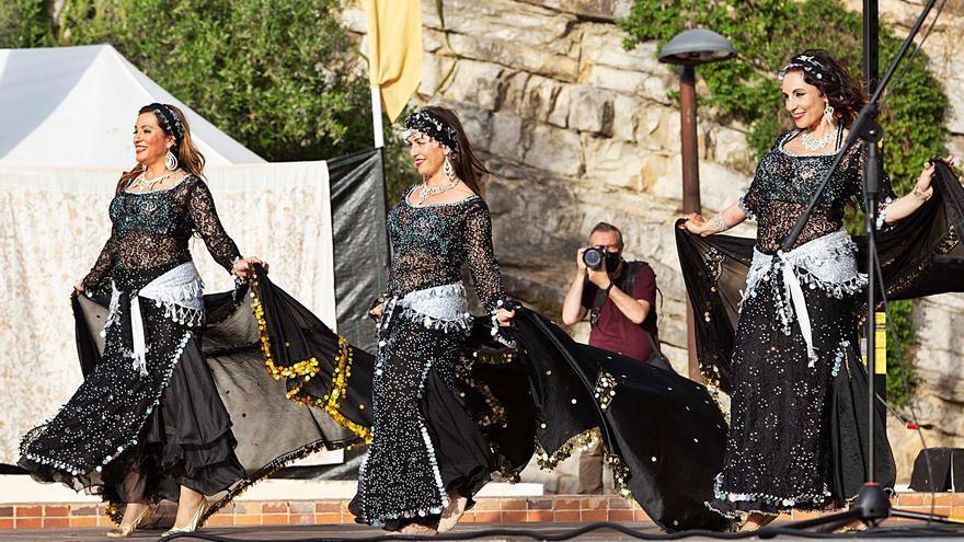 Danza oriental para despedir el Petit Medieval