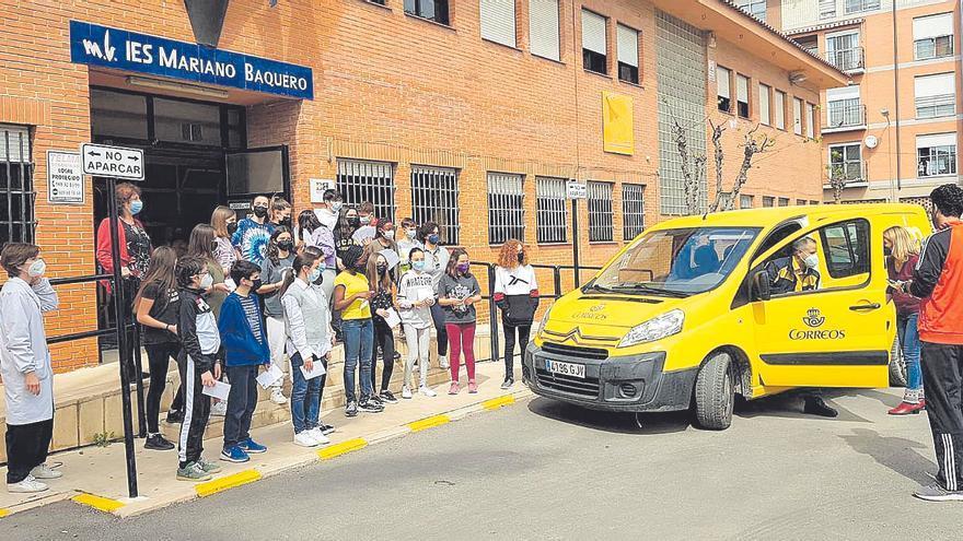 Los alumnos del Mariano Baquero envían 'cartas de esperanza' a sus abuelos