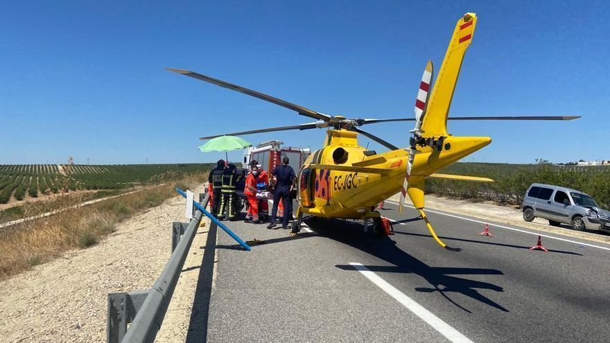 Una fuerte colisión entre dos vehículos obliga a cortar la N-502 a la altura de Villanueva del Duque
