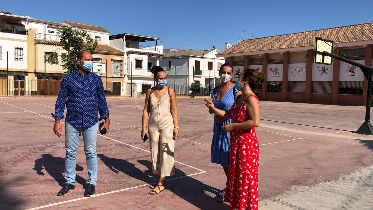 Ana Naranjo visita las instalaciones del CEIP Monte Albo de Montalbán.