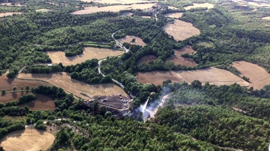 Apagat l'incendi que afectava bosc i conreus a Montmajor
