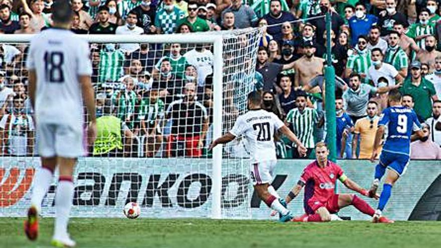 El Betis derrota el Celtic (4-3) i la Reial Societat empata amb el PSV (2-2)