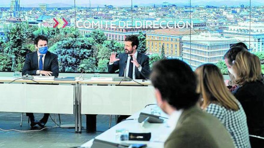 Sánchez i Casado tornen  a creuar-se retrets pel bloqueig del Poder Judicial