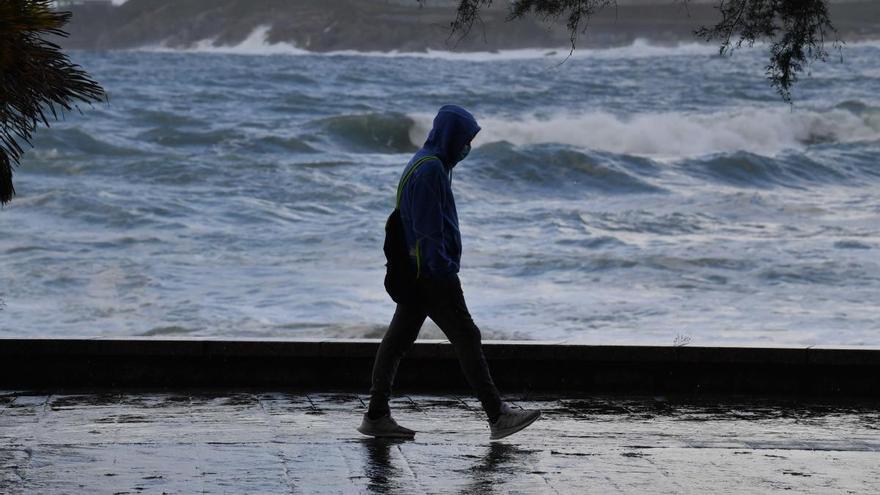 La borrasca Bárbara pone en alerta la costa de Pontevedra
