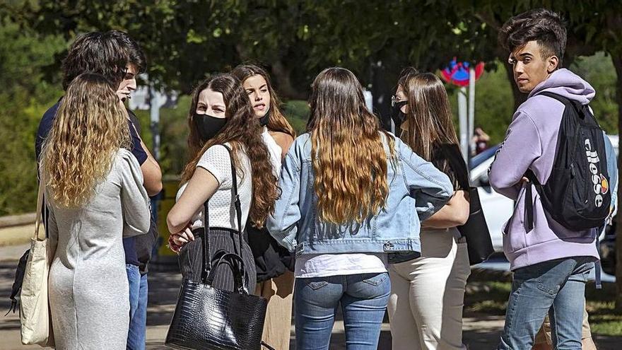 Junge Menschen sehen Corona-Politik auf Mallorca kritischer als ältere