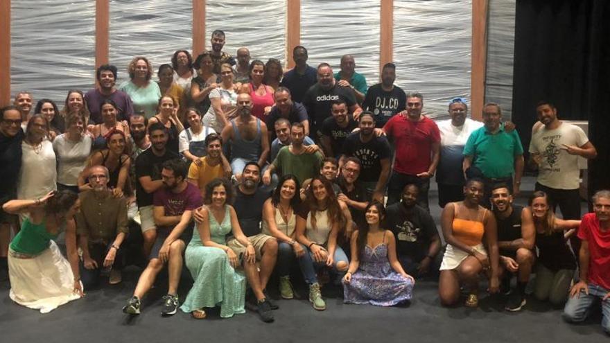 El Club de Prensa Canaria desnuda la producción 'César Manrique, el musical'
