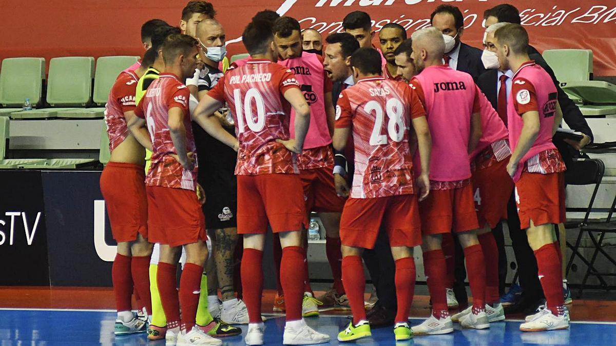 La plantilla de ElPozo Murcia durante un encuentro disputado en el Palacio.  | ISRAEL SÁNCHEZ
