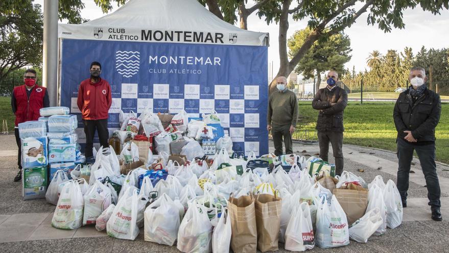 Montemar entrega a Cruz Roja los productos donados para los más necesitados