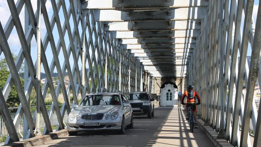 El puente antiguo de Tui y Valença recupera su actividad. |