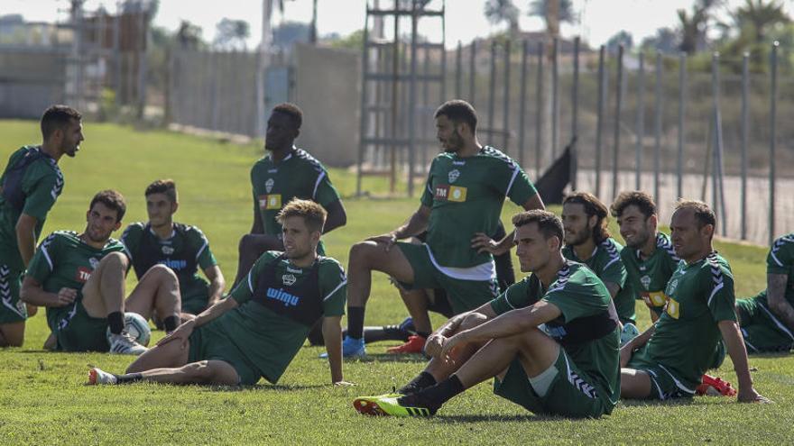 La plantilla del Elche realizará siete entrenamientos para preparar el partido del Lugo
