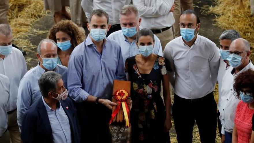 Los Reyes, entre vacas y pastores para apoyar a la ganadería en Cantabria