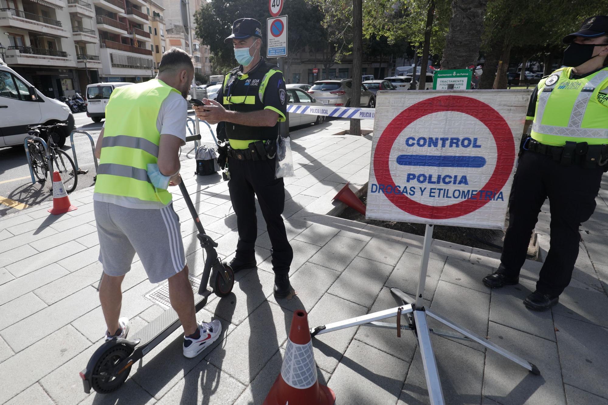 Control de alcoholemia a patinetes en Palma: Siete multas en una hora y media