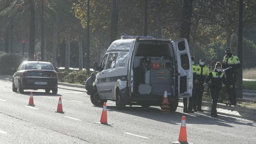 Un coche atropella y mata a una mujer en el Bulevar Sur de València