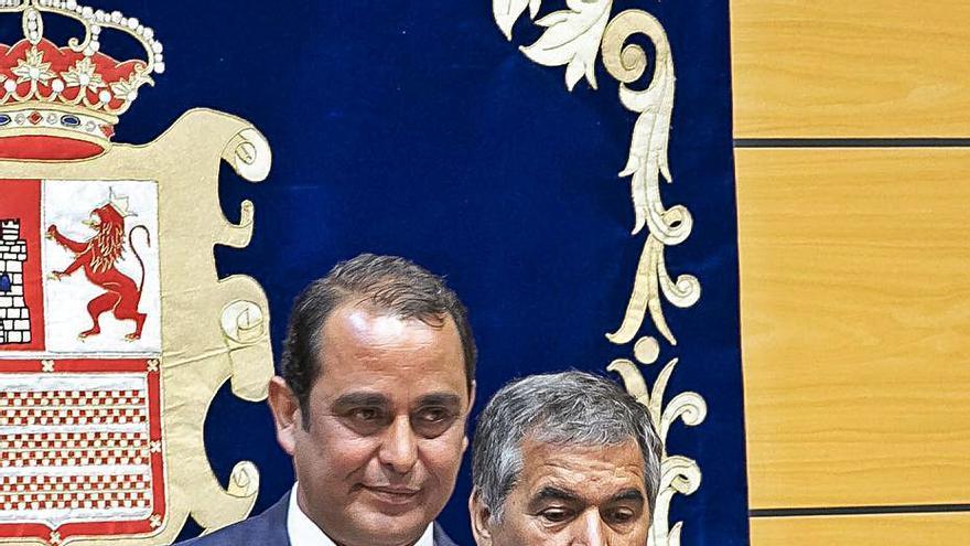Blas Acosta entra  en el Ejecutivo con  el aval de Torres y el rechazo de Podemos