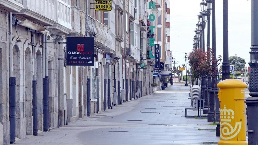 Un brote afecta a seis empleados de Correos en un centro de Santiago