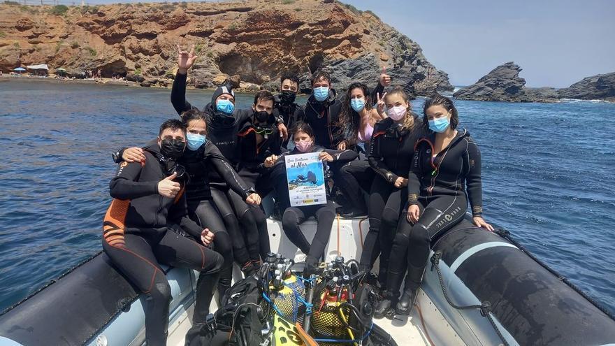 Más de 200 personas se inician gratis en el buceo en Cabo de Palos y Cabo Tiñoso