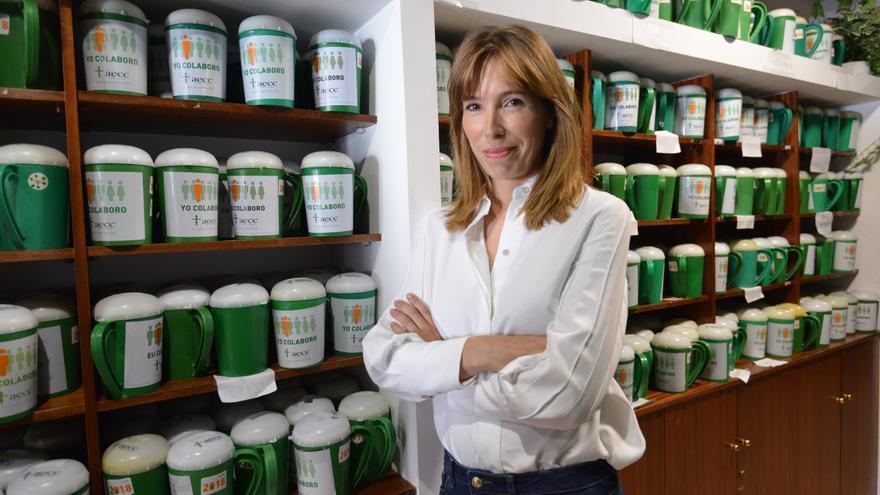 Charla de la investigadora Mónica Martínez en Pontevedra en colaboración con la AECC