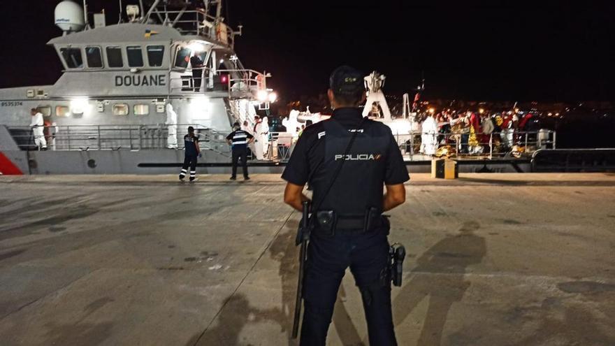 Neun Boote mit 112 Migranten gelangen bis auf die Balearen