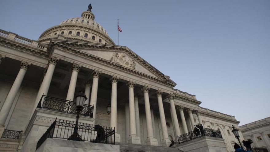 Detenido cerca del Capitolio un hombre con una lista de congresistas y una pistola