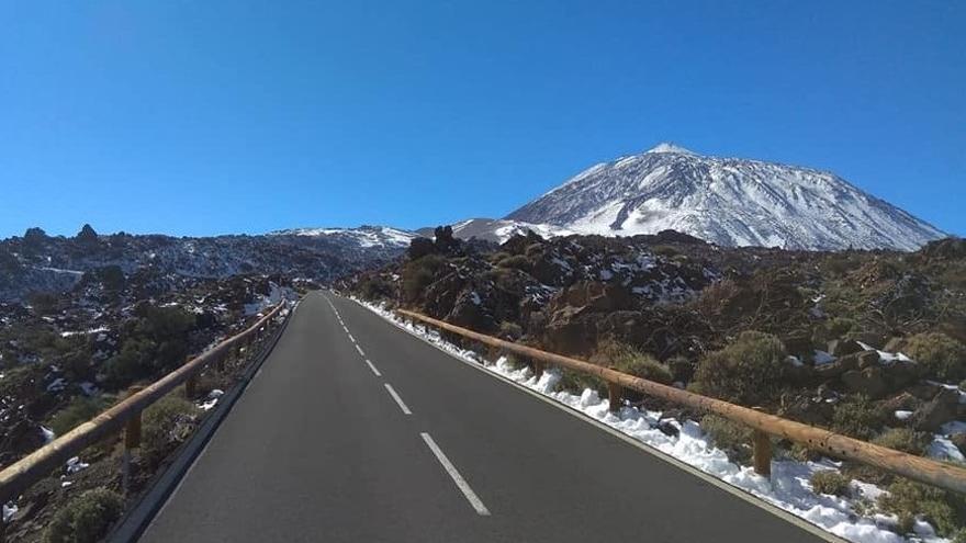 La carretera de La Esperanza al Teide solo será de bajada este fin de semana