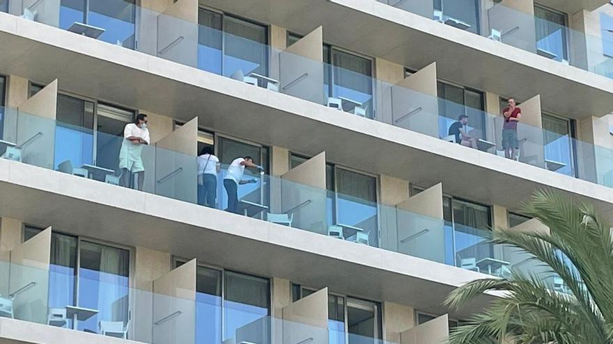 Violencia machista en Ibiza: Un joven mata a su pareja tirándola por un balcón y se suicida