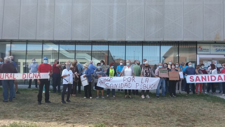 """Novena concentración por la sanidad en Sayago: """"que cubran las vacantes de médicos"""""""