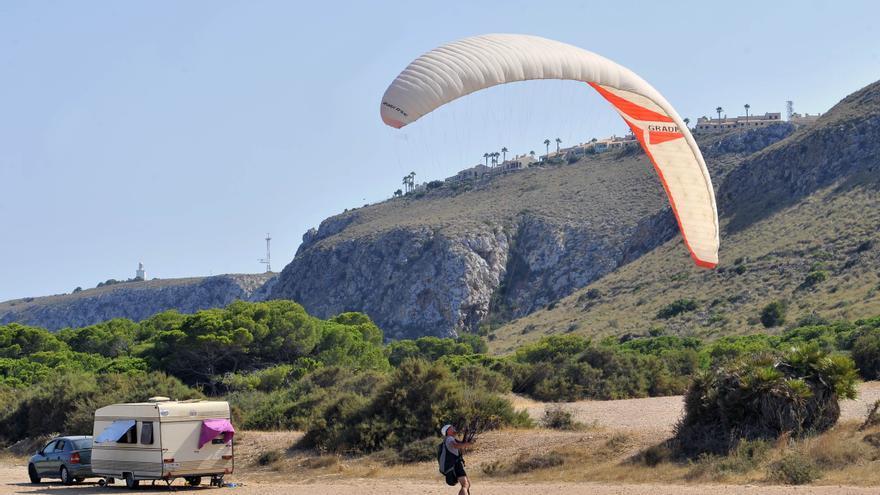 Colectivos de Santa Pola reúnen firmas para agilizar la declaración de la Sierra y el Cabo como paraje natural