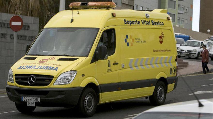 Una ciclista de 60 años, herida en Tegueste tras chocar contra un coche