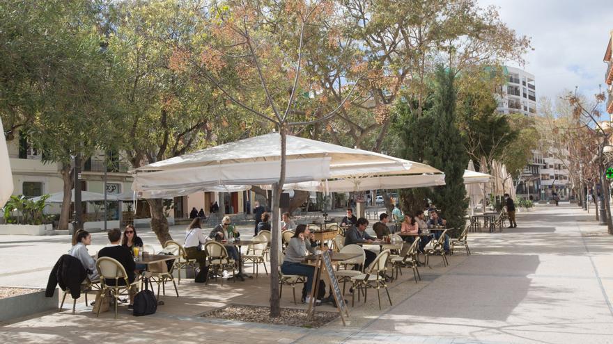 Bares y restaurantes en Ibiza y Formentera podrán ampliar su aforo interior hasta el 75%