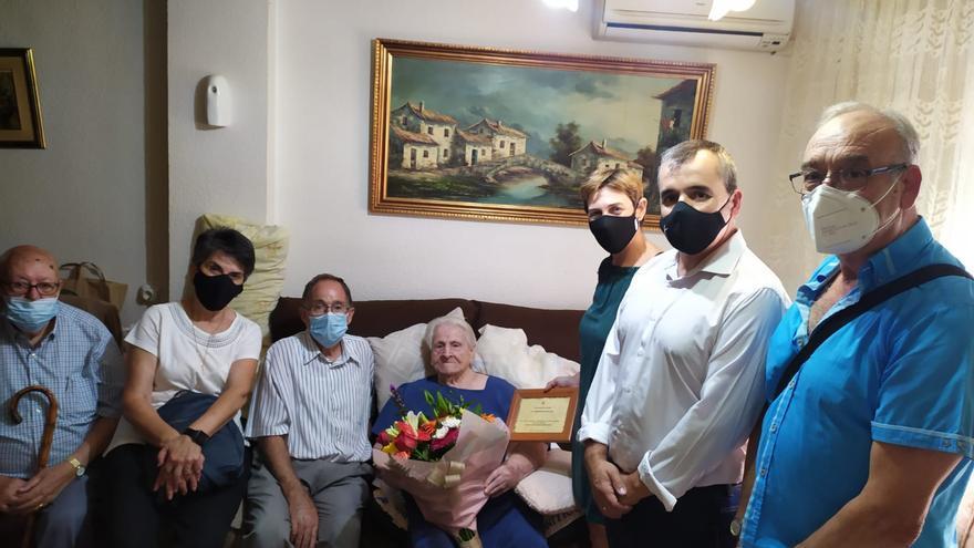 El homenaje de Aspe a sus centenarios
