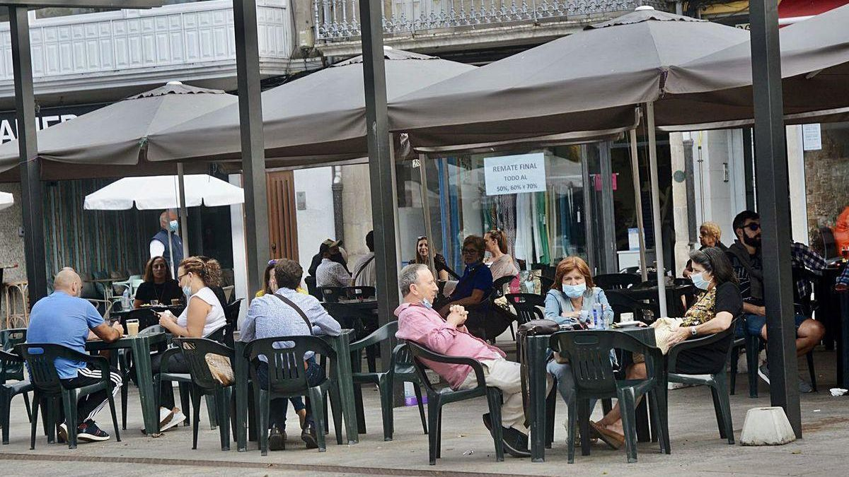 Terrazas en establecimientos de hostelería de Marín.