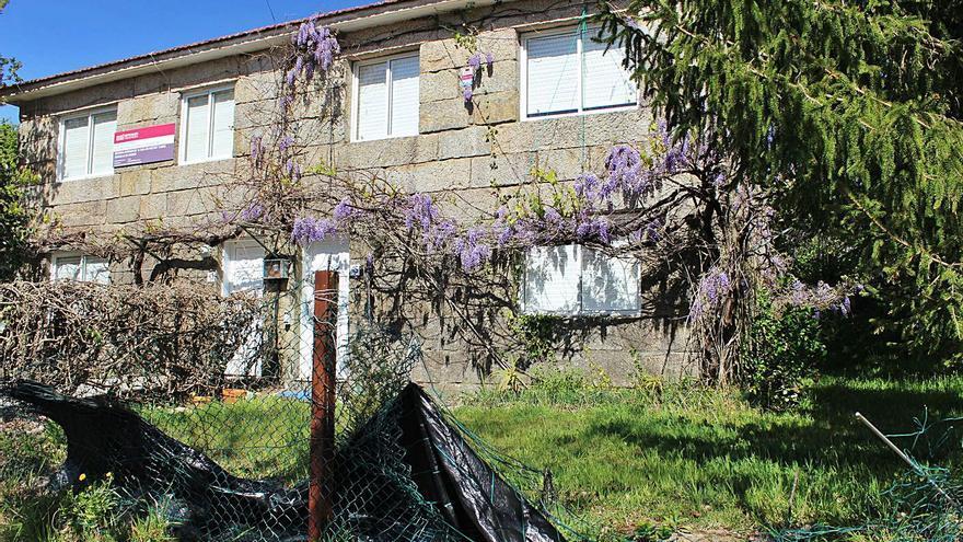 Nigrán reclama la devolución de una casa de maestros para utilizarla en desahucios
