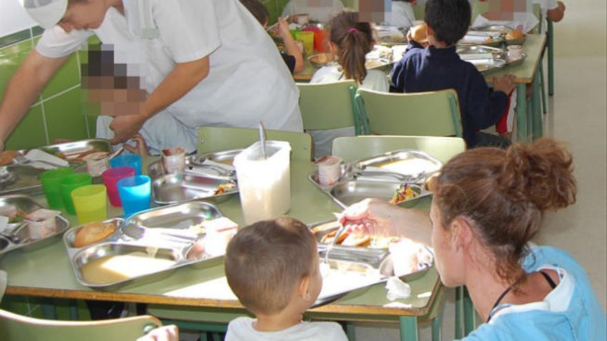 Casi 15.000 alumnos acudirán en verano a los comedores escolares en Canarias