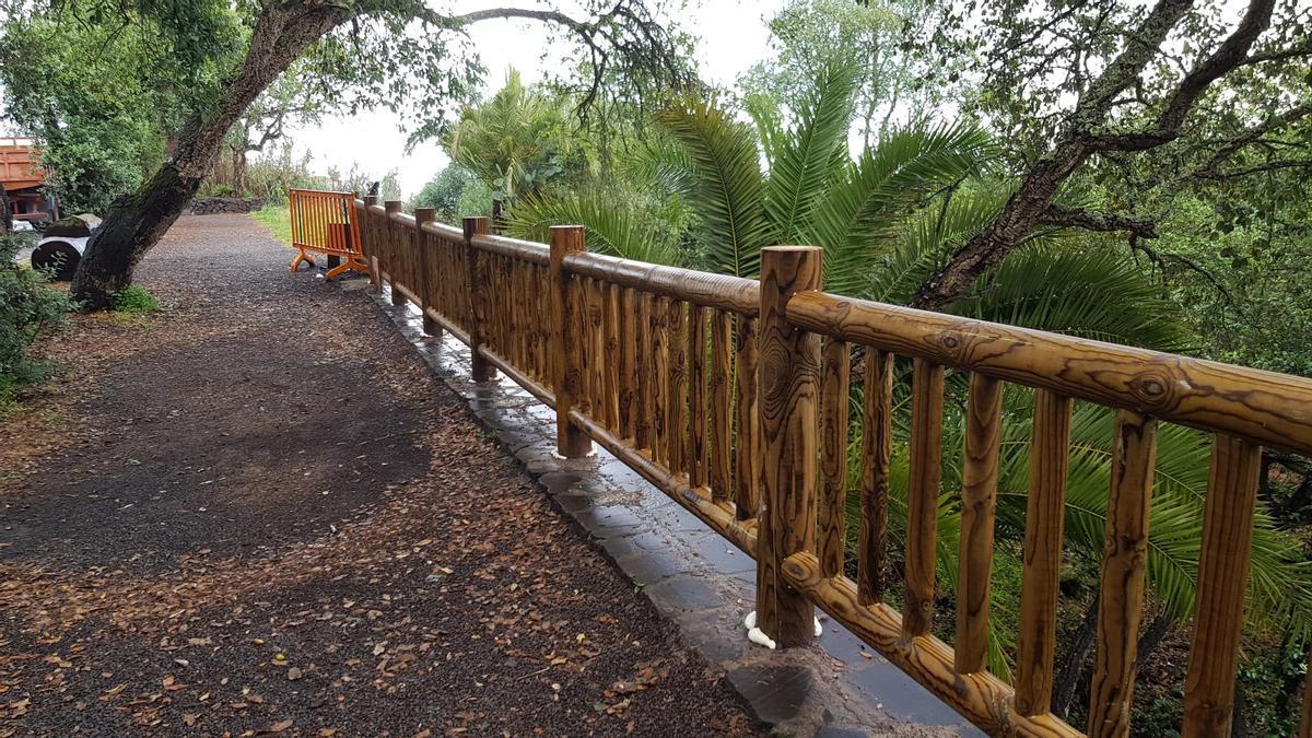 Teror repone las vallas de madera en el camino a Osorio