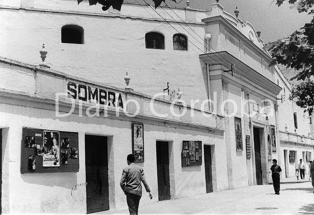 Antigua plaza de toros de los Tejares, primer cine de verano de la ciudad.