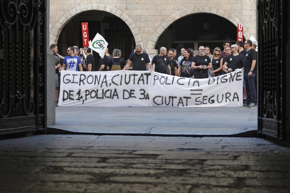 Protesta de la Policia Municipal de Girona per la falta d'efectius
