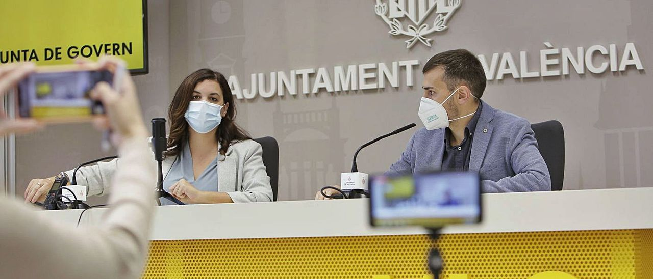 Sandra Gómez y Sergi Campillo intervinieron ayer en la rueda de prensa. | LEVANTE-EMV