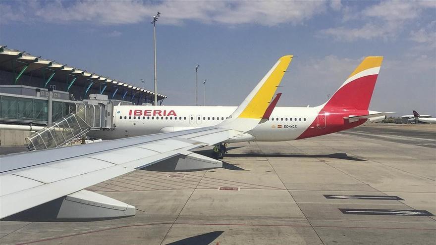Desalojado un pasajero de Iberia tras un conflicto con su mascarilla