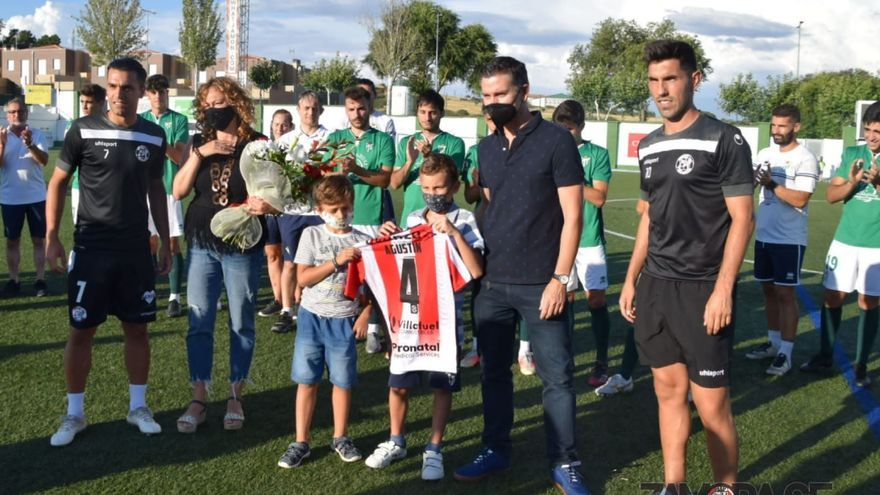 El Zamora CF gana al Guijuelo en el homenaje a Agustín Villar