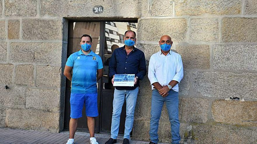 El Leis Pontevedra homenajea a Manolo Piñón