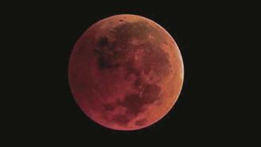Mondfinsternis: Ganz dicht dabei sein, wenn sich der Mond verfinstert
