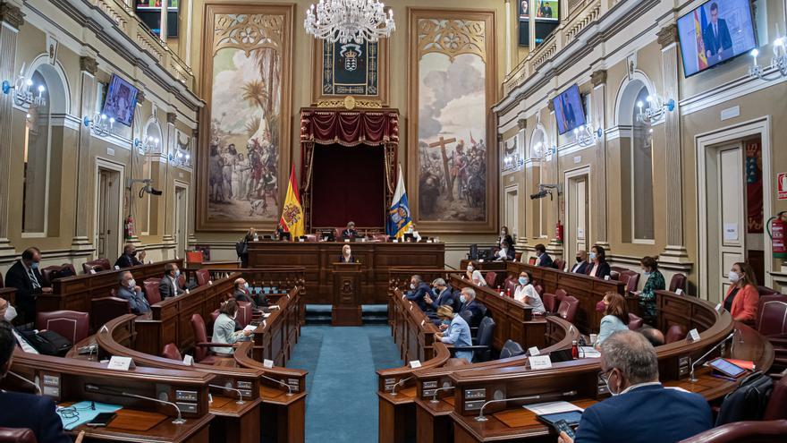 El Parlamento de Canarias vuelve a cerrar filas en defensa del REF frente al Estado
