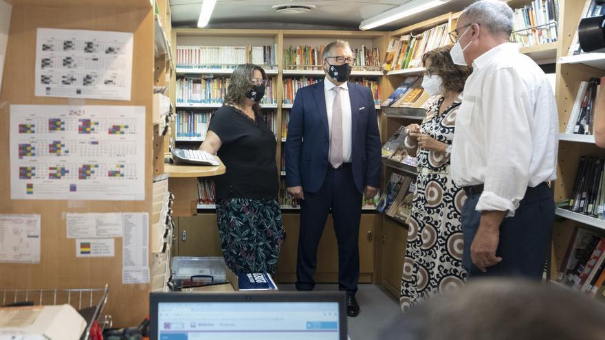 La Diputación invierte 85.000 euros en un microbús que permitirá duplicar el servicio de Bibliobús en Castellón
