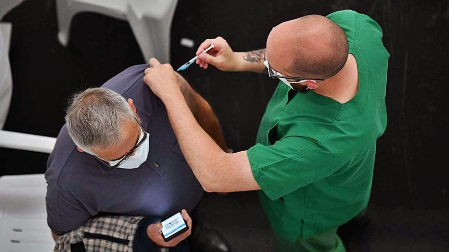 Citados en A Coruña quedan sin vacunar al agotarse las dosis